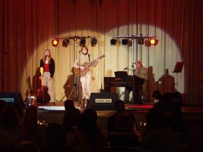 01 Konzert Stars singen fr den Frieden 2002 im Club am See Strausberg.jpg